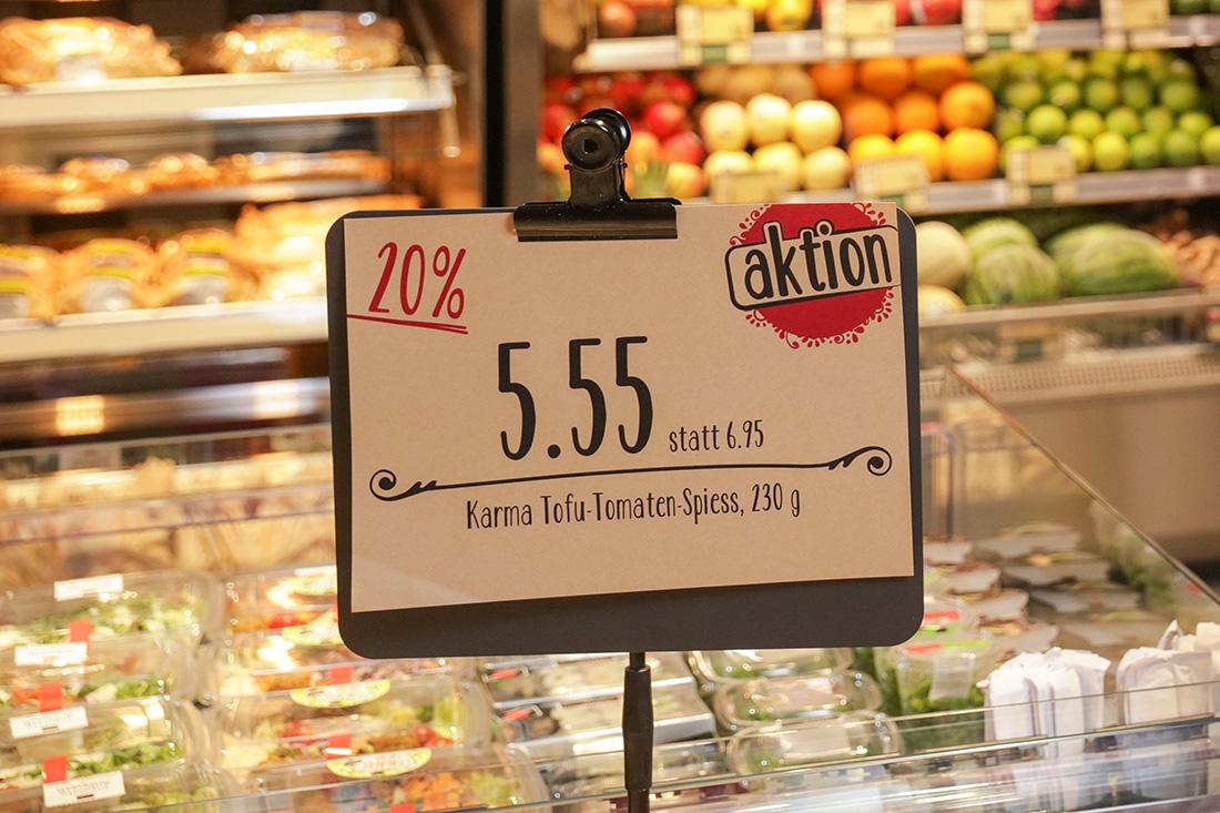 Das Konzept der Ladengestaltung wurde auch bei den Preisschildern durchgezogen