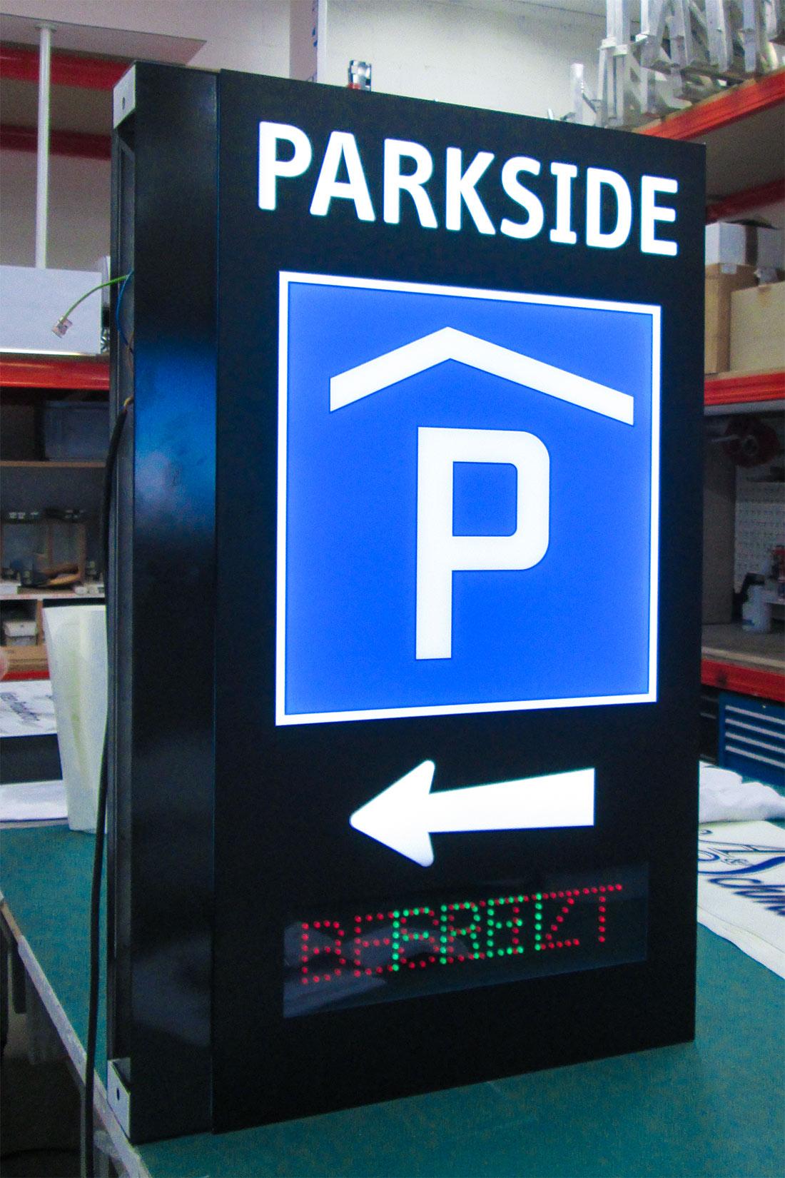 LED beleuchtetes Parkhausschild mit Frei/Besetzt Anzeige