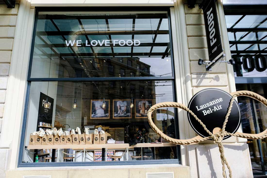 Schaufenster-Laden: gross, einladend und traditionell